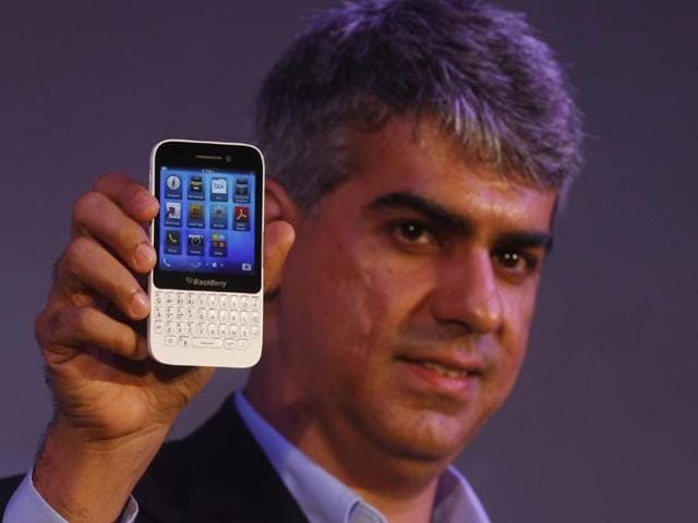 BlackBerry-India-s-Managing-Director-Sunil-Lalvani-during-the-launch-of-the-new-Blackberry-Q5-smartphone-in-New-Delh-Photo-Sanjeev-Verma-Hindustan-Times