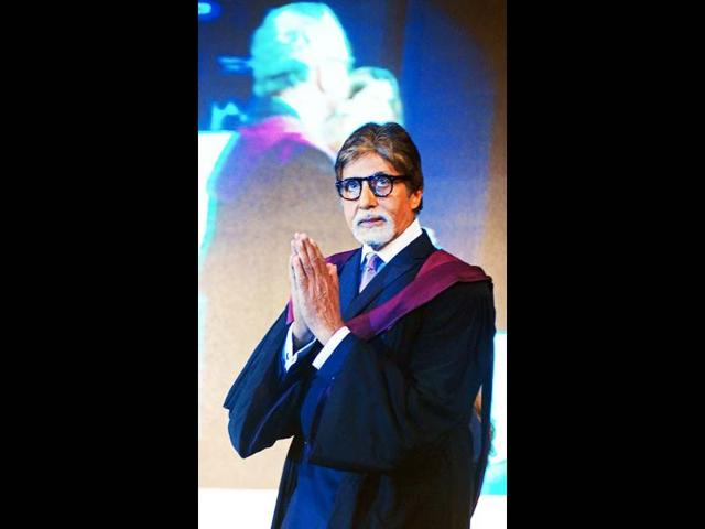 Amitabh-Bachchan-delivers-his-speech-during-the-inauguration-of-the-20th-Kolkata-International-Film-Festval-at-the-Netaji-Indoor-Stadium-in-Kolkata-on-November-10-2014-AFP-Photo