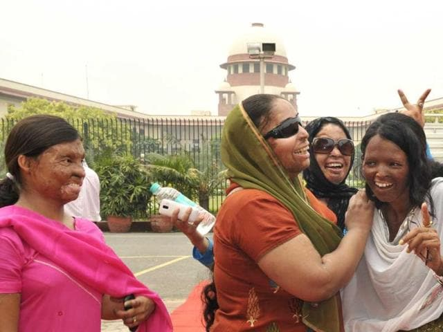 Acid-attack-victim-Laxmi-R-with-other-victims-at-the-Supreme-Court-after-hearing-on-a-plea-filed-by-her-on-the-regulation-of-sale-of-the-chemicals-at-the-retail-level-in-New-Delhi-Mohd-Zakir-Hindustan-Times