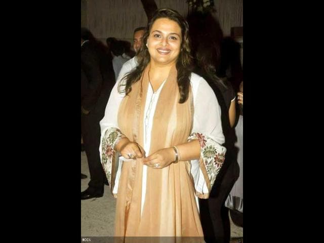 Shilpa shirodkar sexy pics