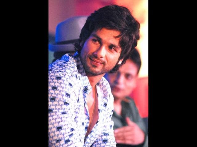 Shahid-for-the-first-time-ever-will-be-seen-in-a-police-uniform