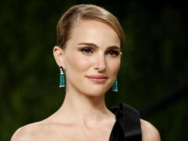 Natalie-Portman-arrives-at-the-2013-Vanity-Fair-Oscars-Party-in-West-Hollywood-California-Reuters