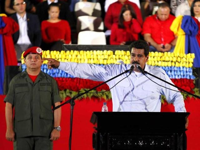 Nicolas Maduro,Venezuela protests,US officials expelled. US Embassy