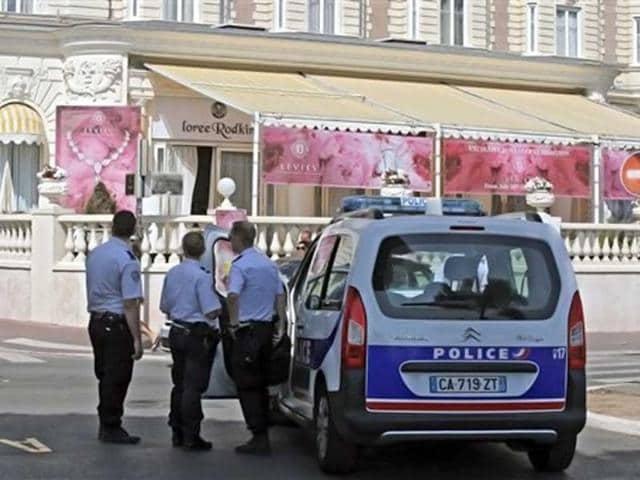 diamond theft,Cannes,Carlton Hotel