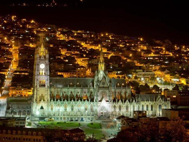 Quito-Ecuador-Photo-Pablo-Hidalgo-shutterstock-com