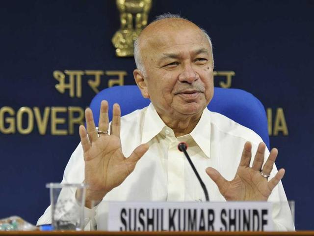 Be careful while arresting minority youths: Shinde