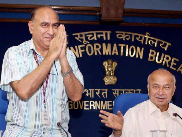 Home-minister-Rajnath-Singh-with-Anil-Goswami-at-the-launch-of-Tourist-Visa-on-Arrival-Convention-in-New-Delhi--Arun-Sharma-HT-Photo