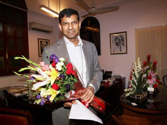 Chief-economic-advisor-Raghuram-Rajan-addressing-a-press-conference-in-New-Delhi-PTI-Photo