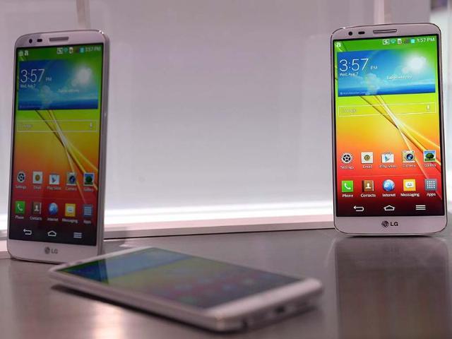 LG,Apple,Samsung