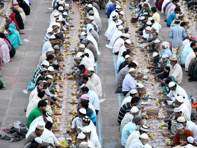 HC scraps WB govt's monthly allowance for imams