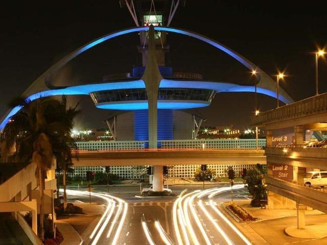 Facebook,Los Angeles Airport,SocialBakers