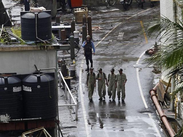 INS Sindhurakshak submarine,Navy officials,INHS Asvini