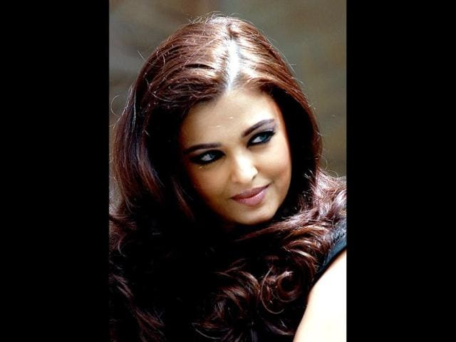 aishwarya rai bachchan,gianst award,amitabh bachchanm entertainment
