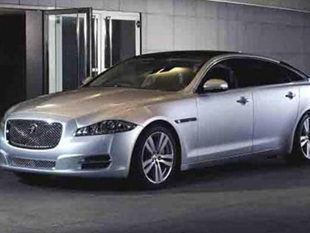 JLR launches petrol variant of Jaguar XF sedan at Rs. 48.3 lakh