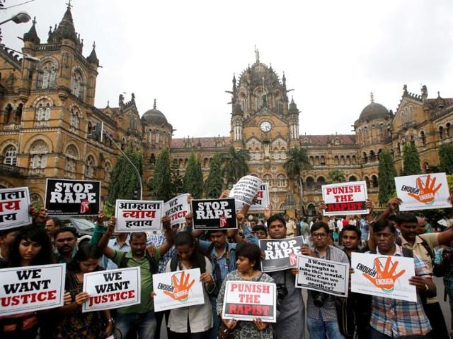 Mumbai journalist gangrape,Journalists protest,Shakti Mills rape case