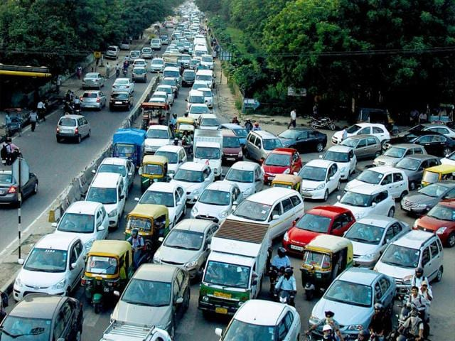 Traffic-jams-are-a-regular-feature-on-the-road-from-Sector-18-to-Iffco-Chowk-Manoj-Kumar-HT-Photos