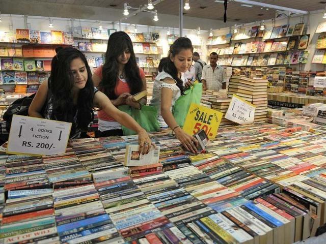 People-visit-the-19th-Delhi-Book-Fair-at-Pragati-Maidan-in-New-Delhi
