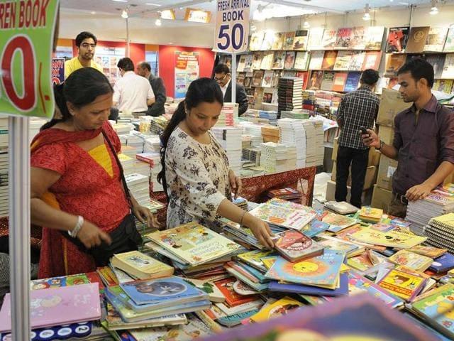 People-visit-the-19th-Delhi-Book-Fair-at-Pragati-Maidan-in-New-Delhi-Photo-Sushil-Kumar-Hindustan-Times