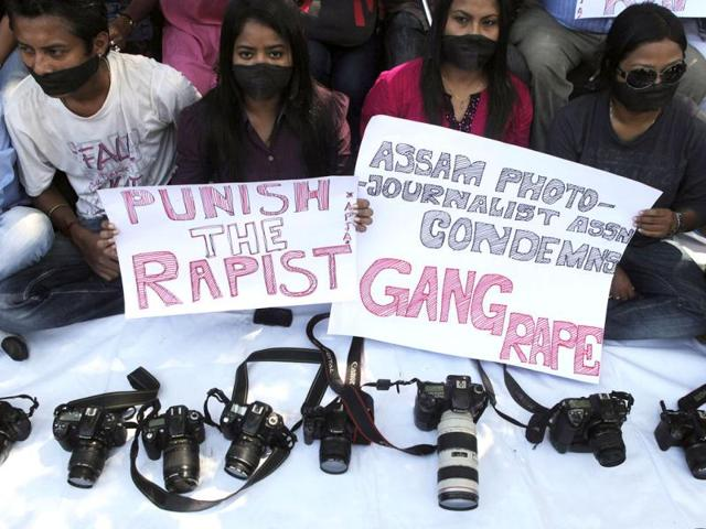 Mumbai gang-rape: victim identifies minor accused
