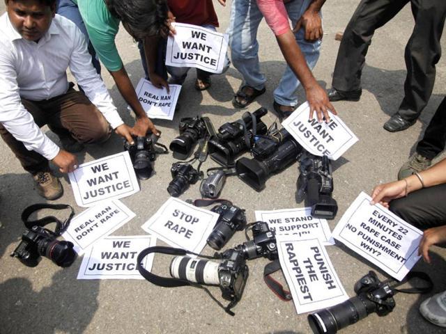mumbai gangrape,photojournalist gangrape,Salim Ansari
