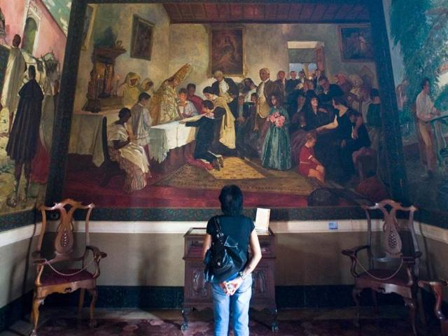 A-tourist-visits-the-house-where-Latin-American-hero-Simon-Bolivar-was-born-on-February-19-2010-in-downtown-Caracas-Venezuela-Photo-AFP-Miguel-Gutierrez