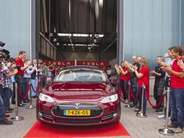 Tesla outselling Porsche,Range Rover in California,European production plant