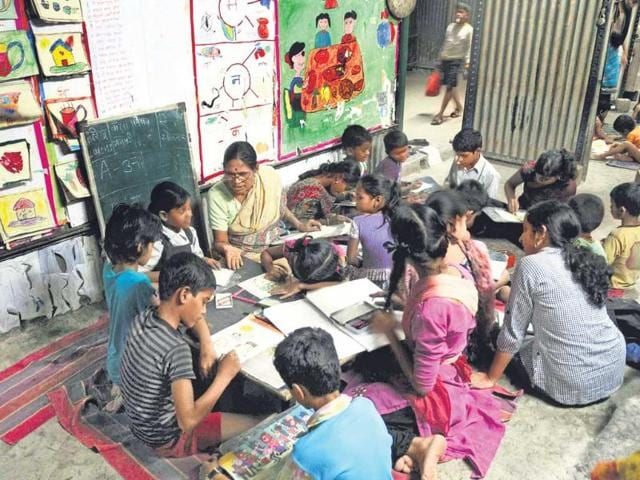You read they learn,civic schools,migrant workers