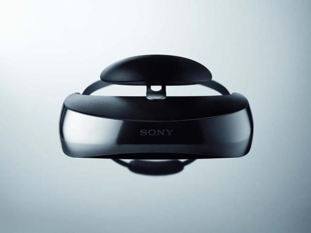 The-Sony-HMZ-T3W-Head-Mounted-Display-Photo-AFP