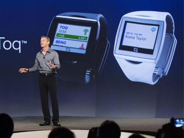 Paul-Jacobs-chairman-and-CEO-of-Qualcomm-talks-about-the-new-Toq-smartwatch-at-the-Uplinq-2013-conference-in-San-Diego-California-Photo-Reuters-Fred-Greaves