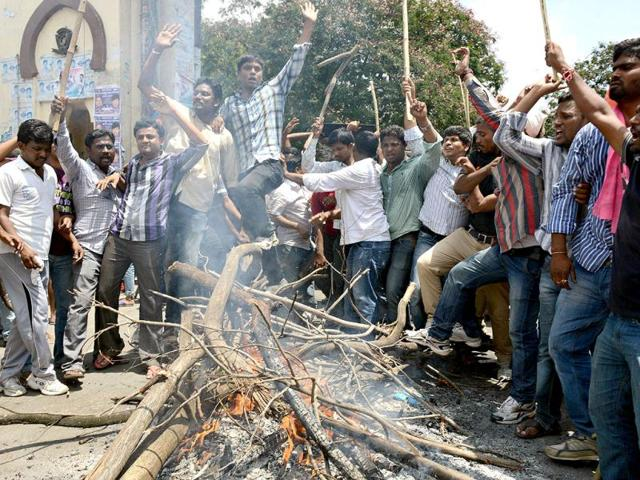 Won't give up Hyderabad: Seemandhra employees