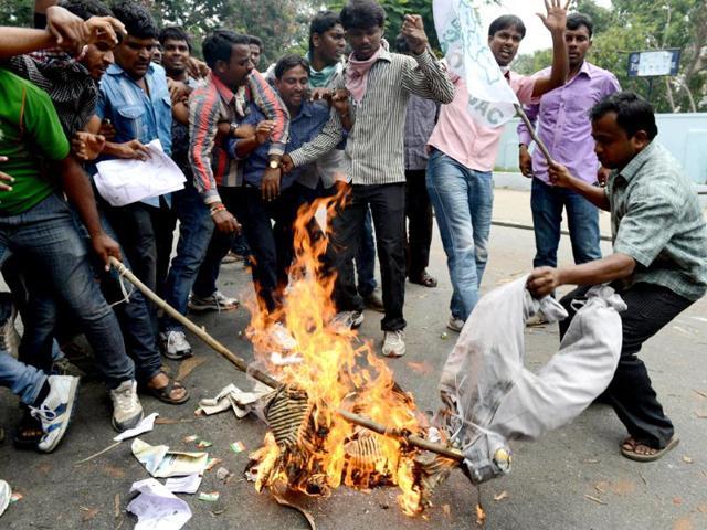 Telangana bill back in AP assembly focus today