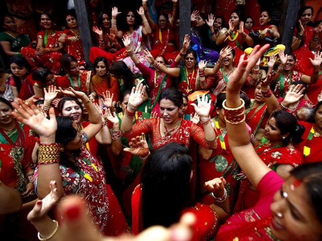 Hindu-women-sing-and-dance-at-Pashupatinath-Temple-during-the-Teej-festival-in-Kathmandu-Reuters-Photo