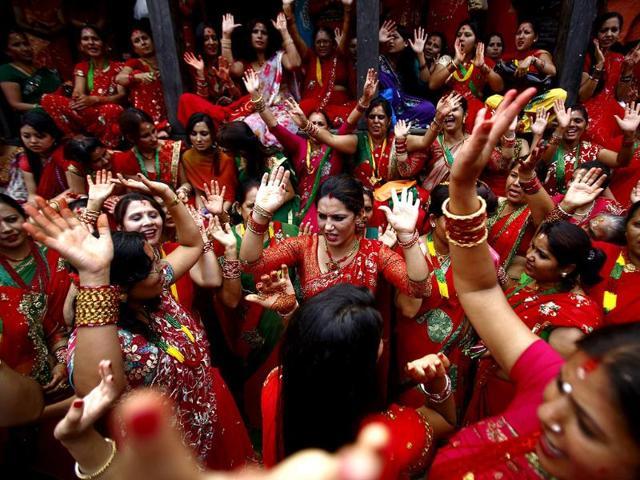 Hindu-women-sing-and-dance-at-Pashupatinath-Temple-during-the-Teej-festival-in-Kathmandu-Reuters-Photo