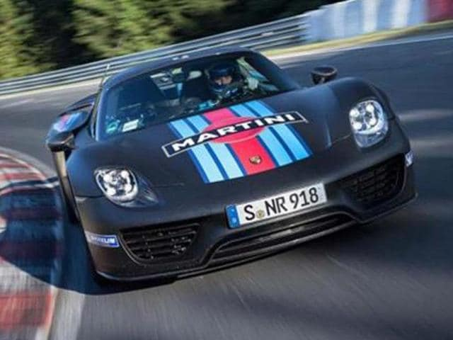 Porsche-918-Spyder-sets-lap-record-at-Nurburgring