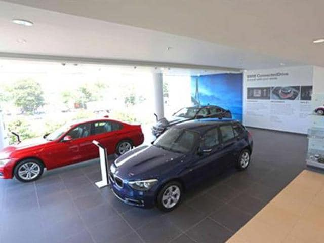 bmw 3-series price in india,new bmw showroom,bmw 1-series price in india