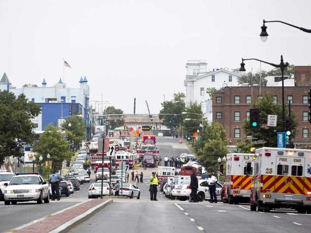 Police-block-off-M-Street-SE-as-they-respond-to-a-shooting-at-the-Washington-Navy-Yard-in-Washington-Reuters-Photo