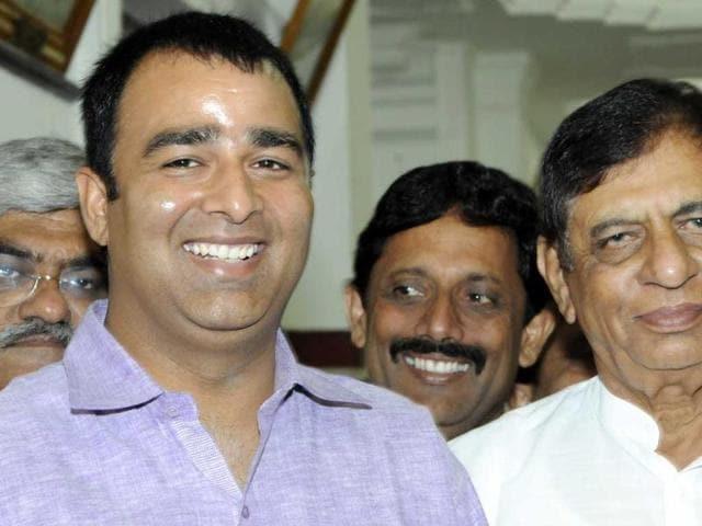 BJP-MLA-Sangeet-Som-and-Hukum-Singh-during-a-Vidhan-Sabha-session-in-Lucknow-HT-Photo