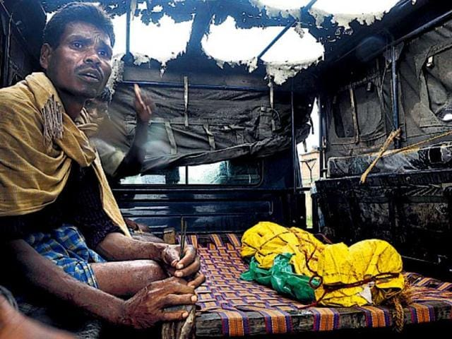 The-body-of-Pardeshi-Lohra-who-died-in-an-explosion-HT-Photo