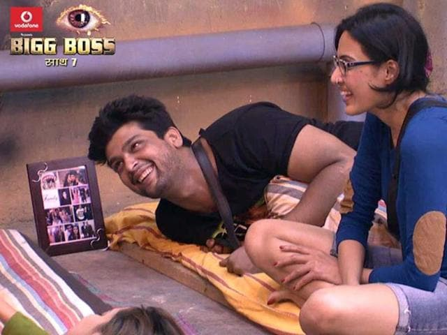 Kamya-Punjabi-and-Kushal-in-Bigg-Boss-7-house