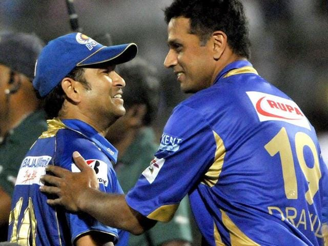 Sachin Tendulkar,Rahul Dravid,blew kisses
