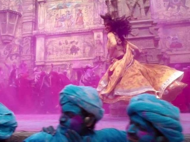 Deepika Padukone looks pretty in this Ram Leela still.