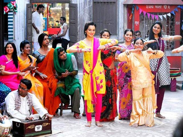 Kangna Ranaut practices her dance moves in a still from Rajjo.