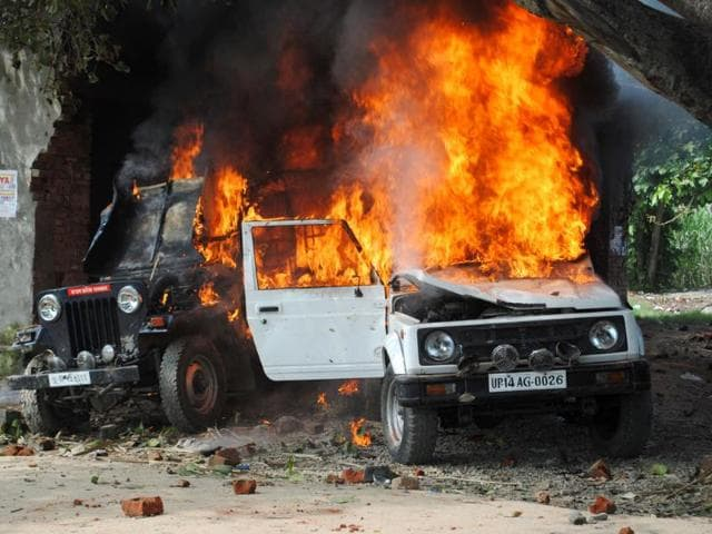 Angry-villagers-set-vehicles-on-fire-after-violence-erupted-in-Panchayat-at-Khera-village-of-Sardhana-Tehsil-in-Meerut-UP-HT-Photo