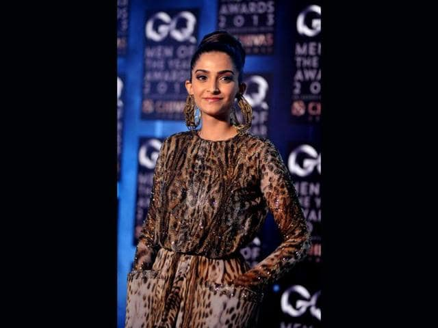 Bollywood-diva-Sonam-Kapoor-looked-her-stylist-best-at-the-launch-of-Fall-Holiday-13-collection-Tommy-Hilfiger-hosted-the-high-fashion-event-that-was-graced-by-the-Bollywood-beauty