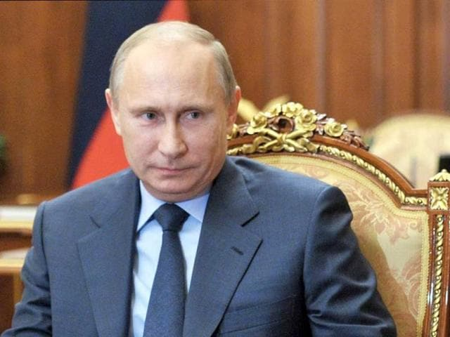 Putin discusses Crimea proposal to join Russia