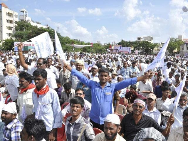 Jagan-Reddy-on-an-indefinite-fast-to-protest-the-bifurcation-of-Andhra-Pradesh-was-taken-into-custody-on-Wednesday-PTI-photo