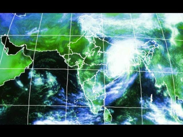 Satellite-image-of-Cyclone-Phailin-as-it-move-northwards-post-lanfall-Photo-courtesy-IMD