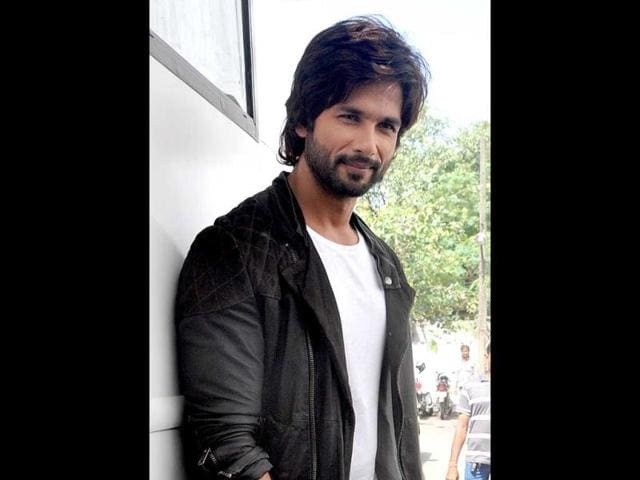 Shahid-Kapoor-strikes-a-pose-AFP-Photo
