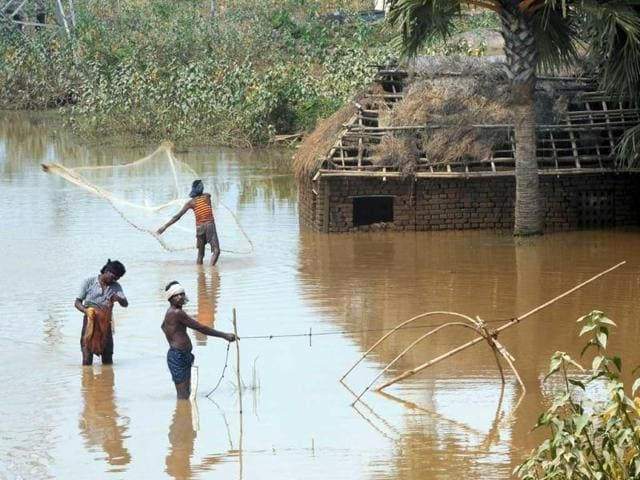 Farmers-in-the-villagers-of-Kashimpur-are-now-fisherman-Ashok-Nath-Dey-HT