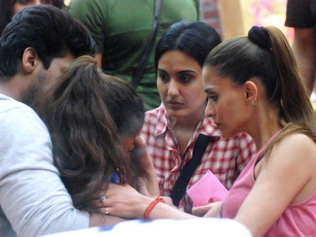 Golden girl Gauahar is having a bad day at Bigg Boss. Man down?